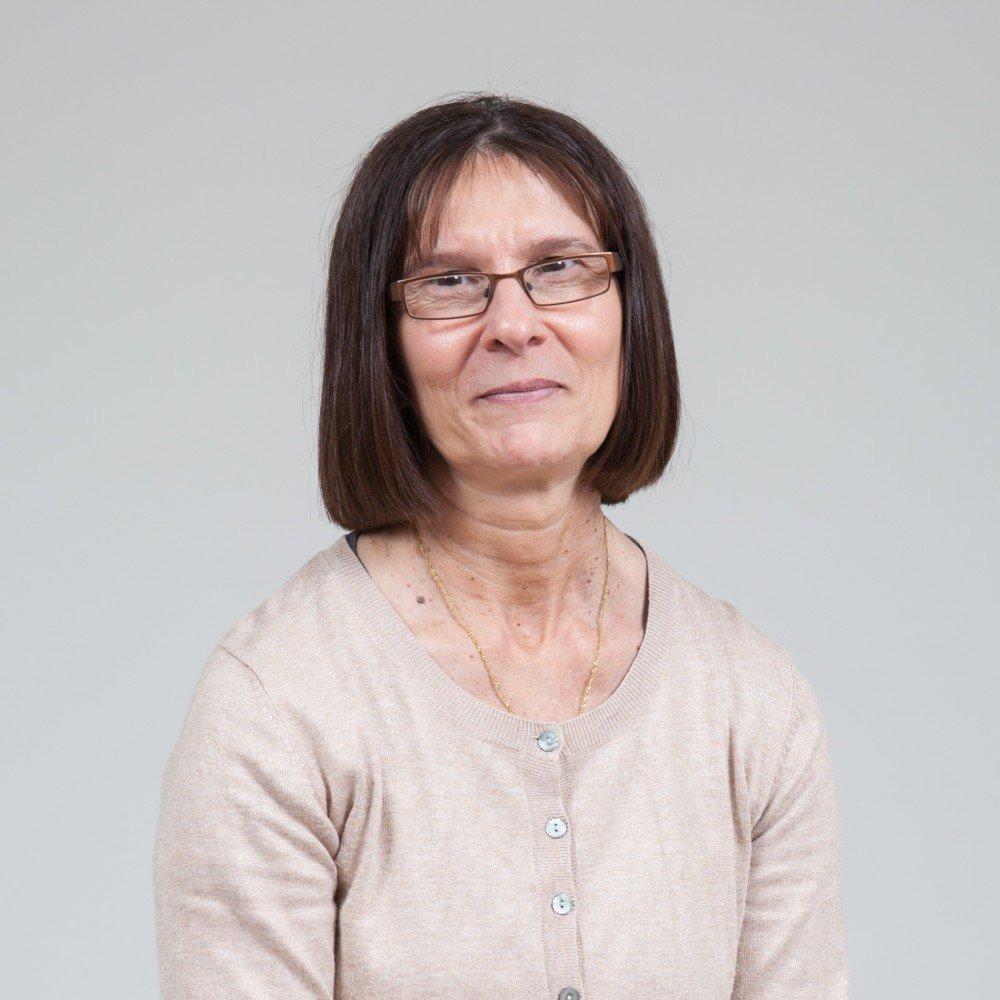 Maria Effemey : Service Administrator